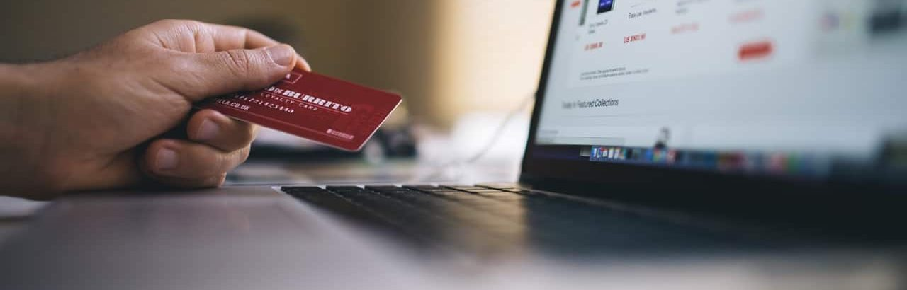 or personal credit card: which one should I use for my business?