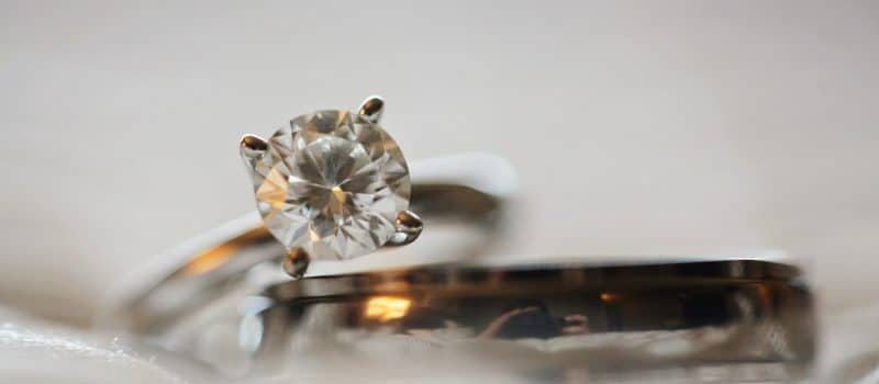 Guide to Buying Diamond Jewelry Online